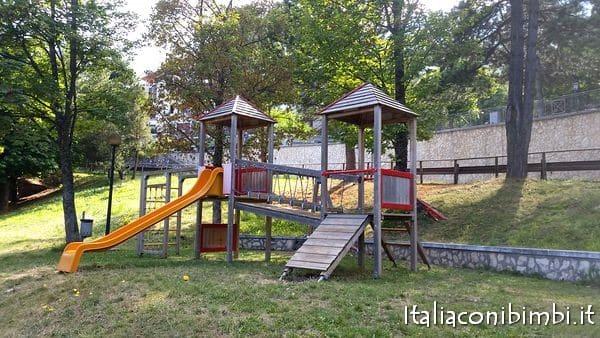Parco giochi a Rocca di Cambio
