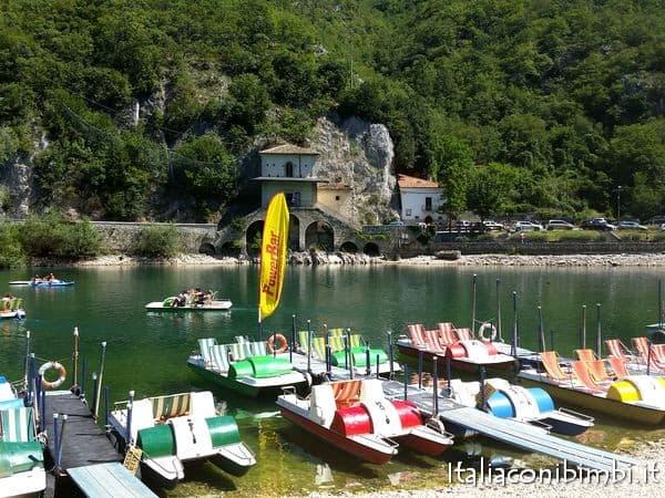 barche al lago di Scanno