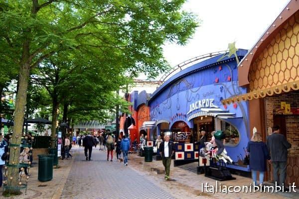Giochi e attrazioni al Tivoli di Copenaghen