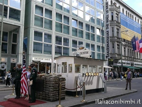 Check point Charlie Berlino