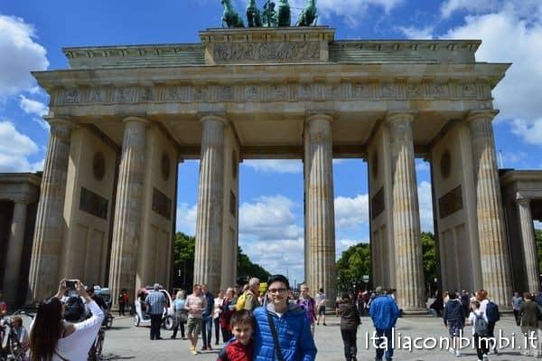 A spasso per berlino con i bambini italia con i bimbi - Berlino porta di magdeburgo ...