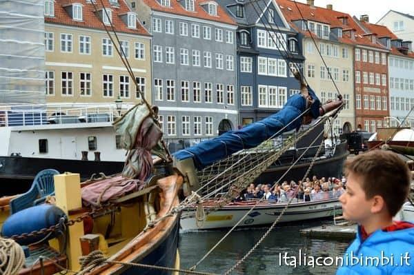 battelli a Nyhavn Copenaghen