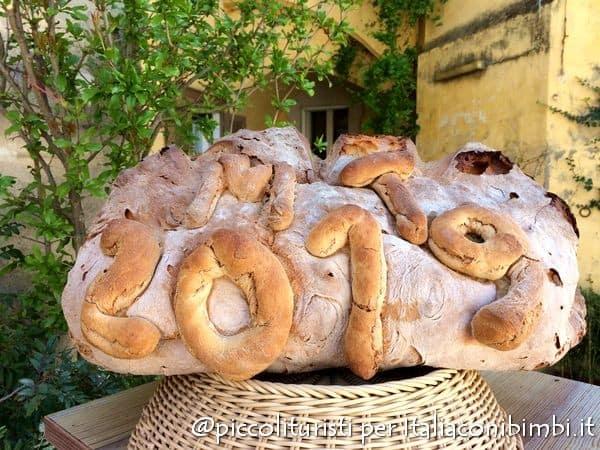 forma di pane in onore di Matera capitale della cultura 2019
