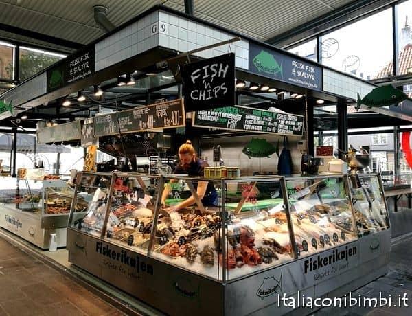 pesce al mercato di Torvehallerne di Copenaghen