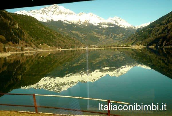 lago dal trenino rosso del Bernina