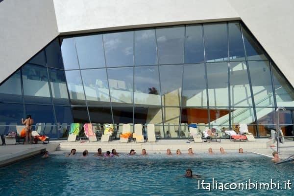 piscina esterna delle Terme di Villach
