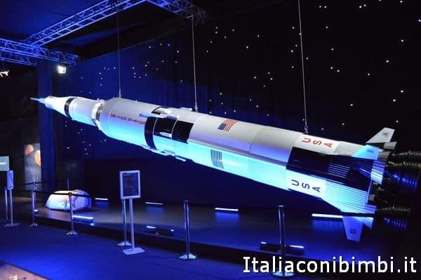 Razzo alla mostra Cosmos Discovery