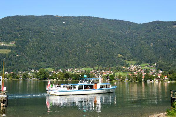 barca Ossiacher See vicino Villach