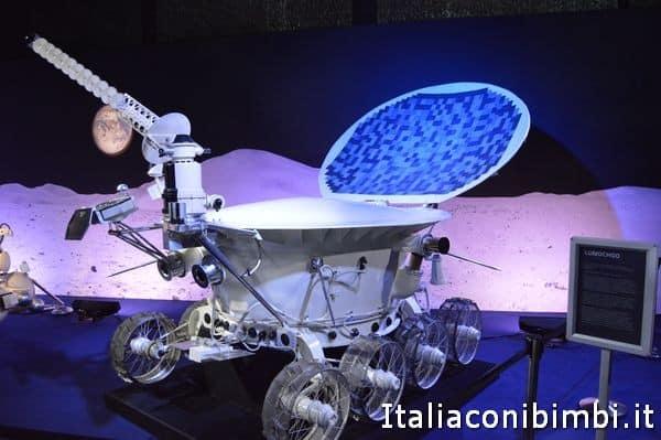 rover lunare alla mostra Cosmos Discovery