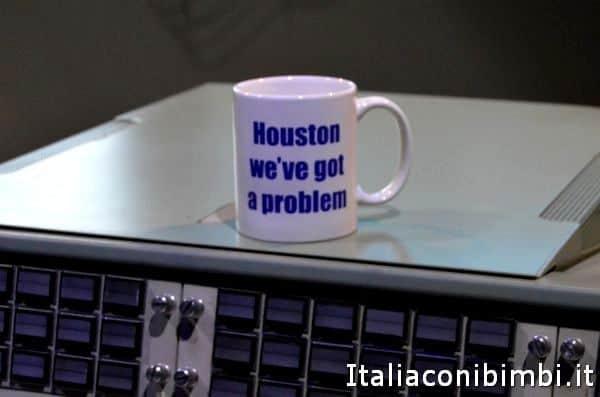 tazza Houston abbiamo un problema alla mostra Cosmos Discovery