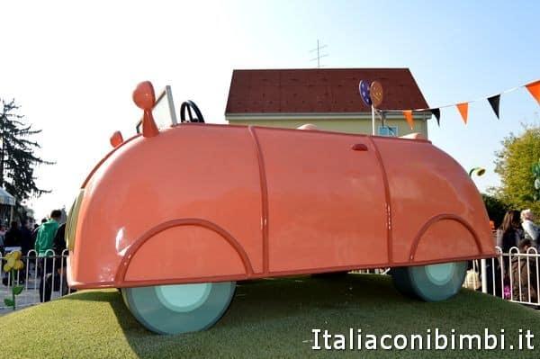 automobile di Peppa Pig a Leolandia