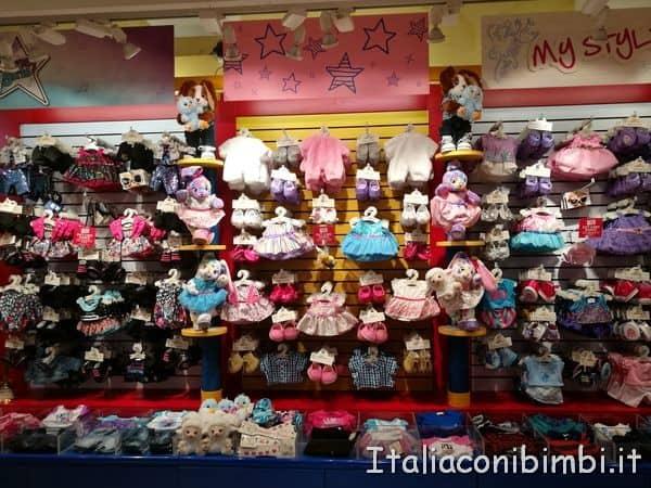 vestiti-delle-bambole-da-Hamleys-Londra
