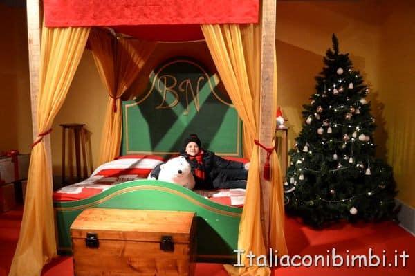 camera-da-letto-di-Babbo-Natale-a-Montepulciano