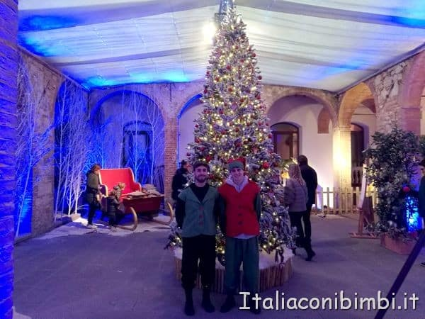 elfi-nel-giardino-dinverno-a-Montepulciano