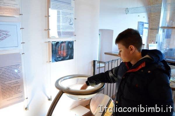 esperimenti all'Officina della Scienza di Perugia POST