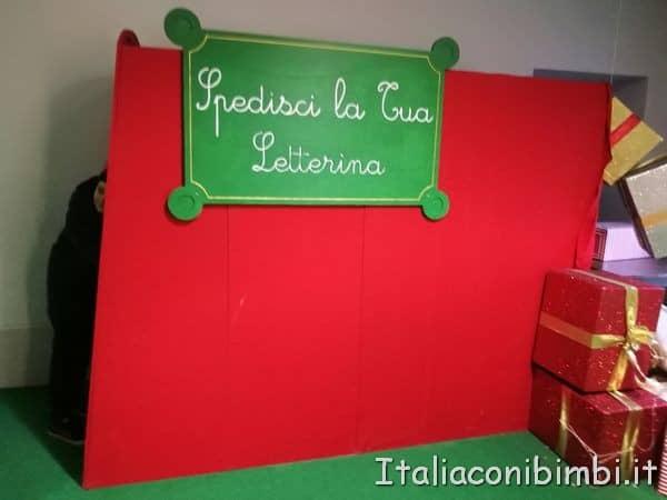 macchina-per-spedire-la-letterina-alla-casa-di-Babbo-Natale-di-Montepulciano