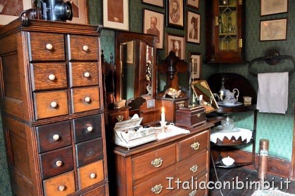 mobili della casa di Sherlock Holmes di Londra