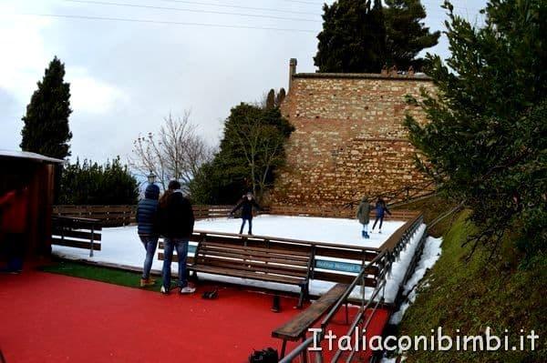 pista di pattinaggio sul ghiaccio Montepulciano