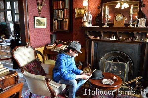 salotto della casa di Sherlock Holmes di Londra
