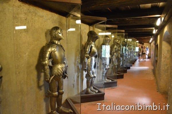 corridoio delle armi al Vicolo d'Oro a Praga