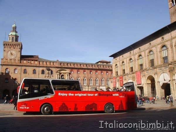 red bus Bologna