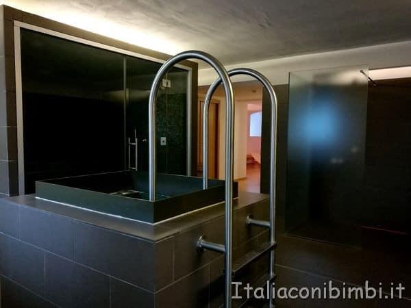Bagno-freddo-allEco-Park-Hotel-Azalea-di-Cavalese