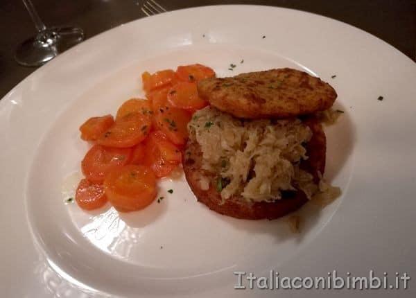 Frittelle di patate con crauti e carote al miele e zenzero