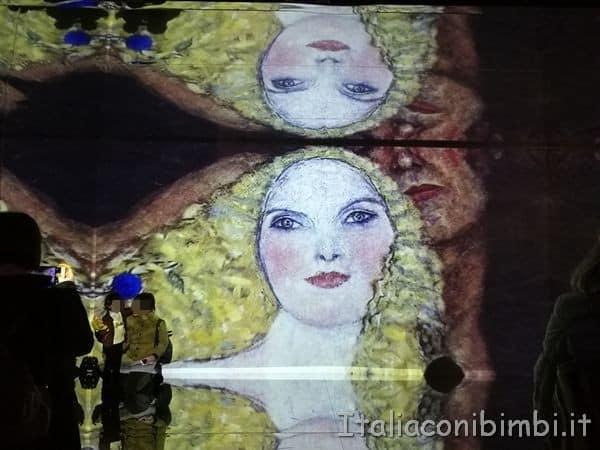 I quadri di Gustav Klimt nella mostra multimediale di Roma
