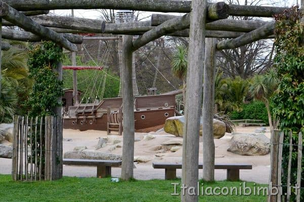 nave di legno al Diana Princess of Wales Memorial Playground