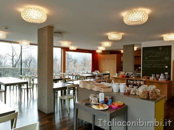 sala colazioni dell'Eco Park Hotel Azalea di Cavalese