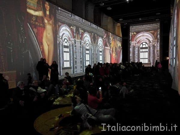 sala-grande-della-Klimt-Experience-di-Roma.