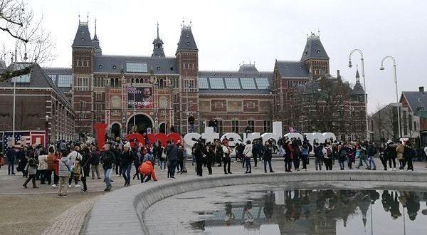 Rijksmuseum e scritta I Amsterdam
