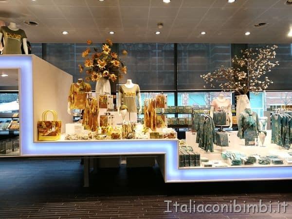Shop-del-museo-Van-Gogh-di-Amsterdam