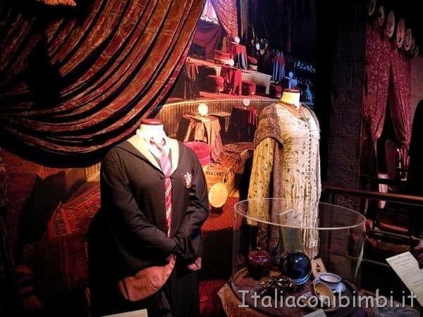 oggetti della classe di divinazione alla mostra Harry Potter alla Fabbrica del Vapore