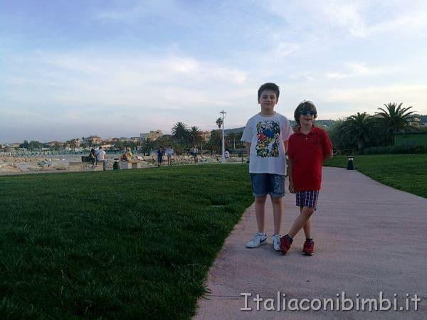 passeggiata-al-molo-di-San-Benedetto