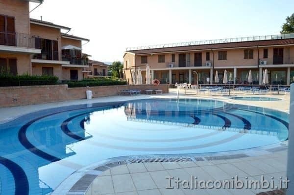 Residence delle Terme di Sarnano piscin