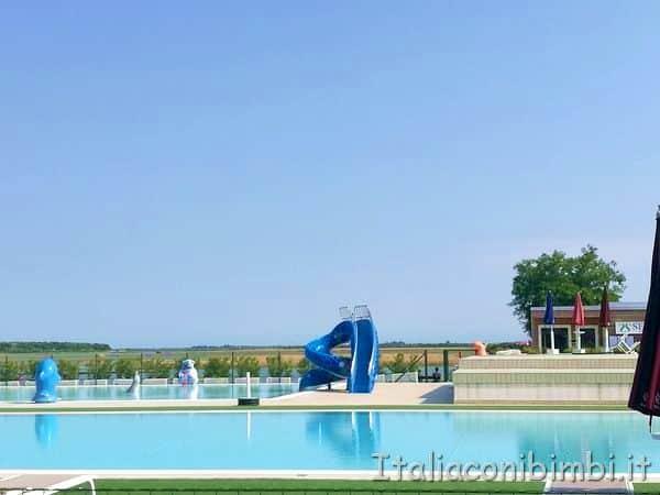 piscina-con-scivolo-del-camping-Capalonga