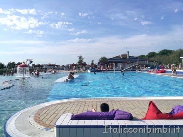 piscina-parco-acquatico-al-Camping-Capalonga-di-Bibione