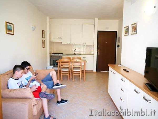 soggiorno del residence delle Terme di Sarnano