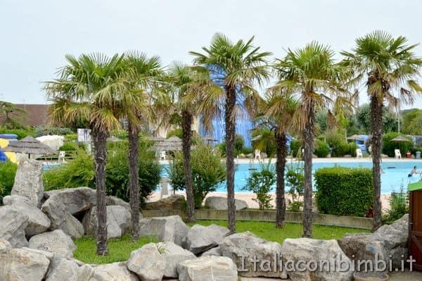 Aquasplash-di-Lignano-Sabbiadoro-palme