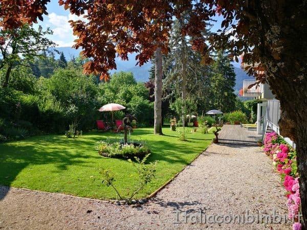 Eco-Hotel-Azalea-di-Cavalese-giardino