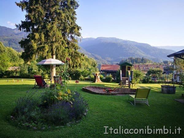 Eco-Park-Hotel-Azalea-di-Cavalese-giardino