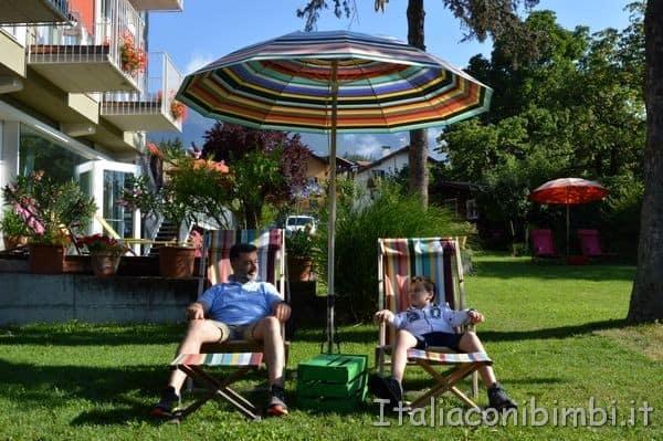 Hotel Azalesa di Cavalese ombrelloni e sdraio