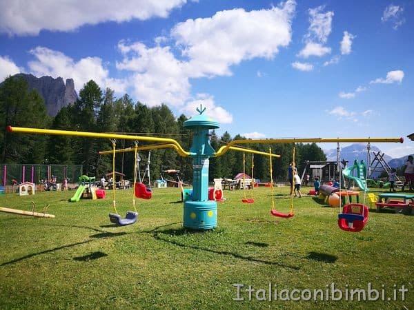 altalene al Kinderpark al Ciampedie