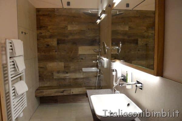 bagno della Family Suite del Camping Vidor Resort