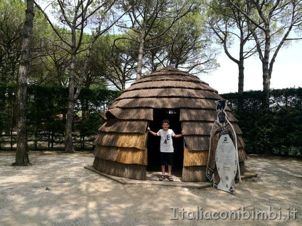 capanna al parco zoo Punta Verde di Lignano