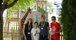 con gli operatori del zoo di Lignano