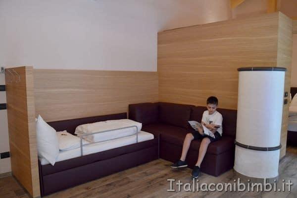 soggiorno della family suite del Camping Vidor