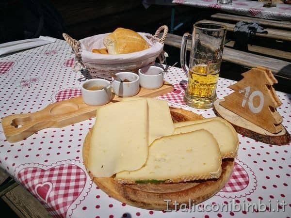 tagliere-di-formaggi-al-ristorante-la-Bolp