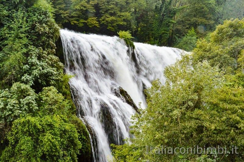 Cascata delle Marmore - cascata vista dal belvedere inferiore